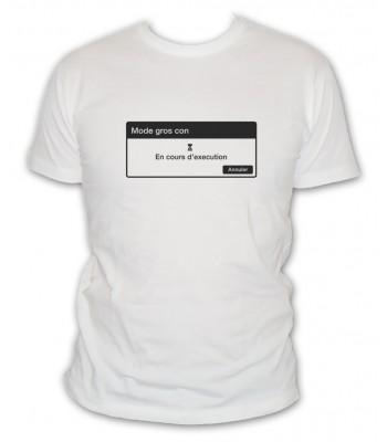 T-shirt mode gros con en cours d'éxécution